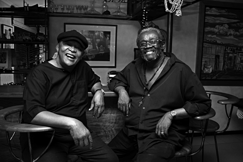stadt osnabr ck konzert mit hugh masekela und larry willis im rosenhof. Black Bedroom Furniture Sets. Home Design Ideas